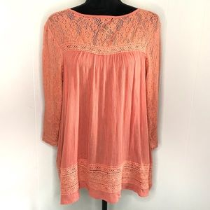 LOVEMARKS Lace and Embroidered 3/4 Sleeve Top